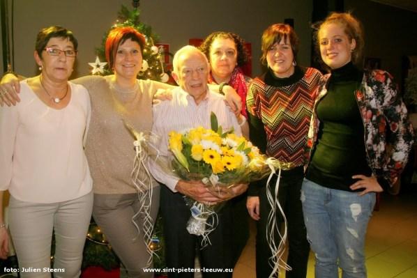 2014-12-18-huldiging-vrijwilliger-Noel-Rogghe_05