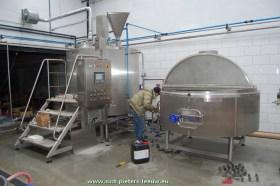 2015-02-26-Belgoo-beer_Sint-Pieters-Leeuw_start-brouwerij_02