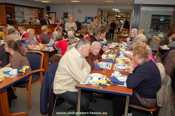 2015-02-27-vrijwilligers-ocmw_Sint-Pieters-Leeuw