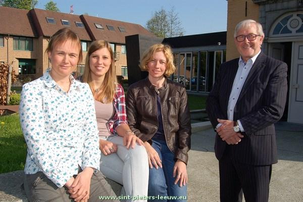 Anneleen Adang, Wnd. secretaris - Jolien Coppens, beleidsmedewerker thuiszorg - Nancy Uylenbroeck, deskundige personeel - Paul Defranc voorzitter OCMW