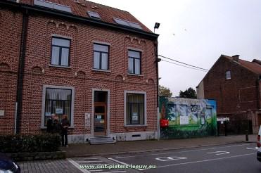 2015-10-16-inbraak_sint-lutgardisschool_01