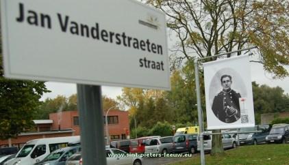 2015-10-17-banier_Jan-Vanderstraetenstraat