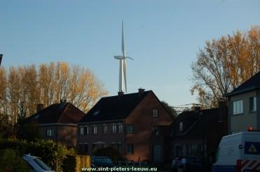 2015-11-01_3-windturbine_witte-roos