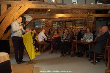 2015-12-20-praatcafe-Davidsfonds_Vic-Feytons-diploma_02