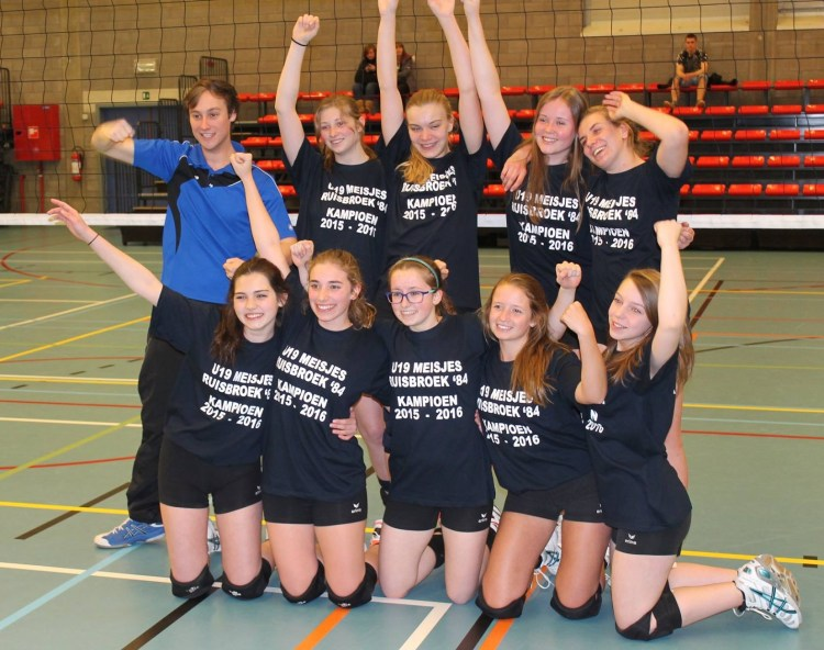 2016-05-01-U19 meisjes kampioen