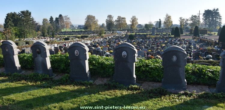 2017-11-07-kerkhof_Zuun
