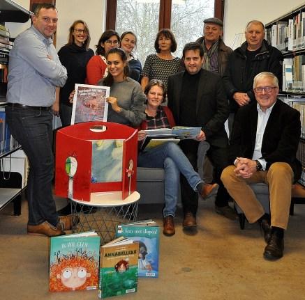 2017-11-29-Jongeren lezen voor bij kinderen thuis