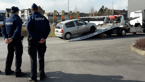 2018-03-21-politie-laat-takelen