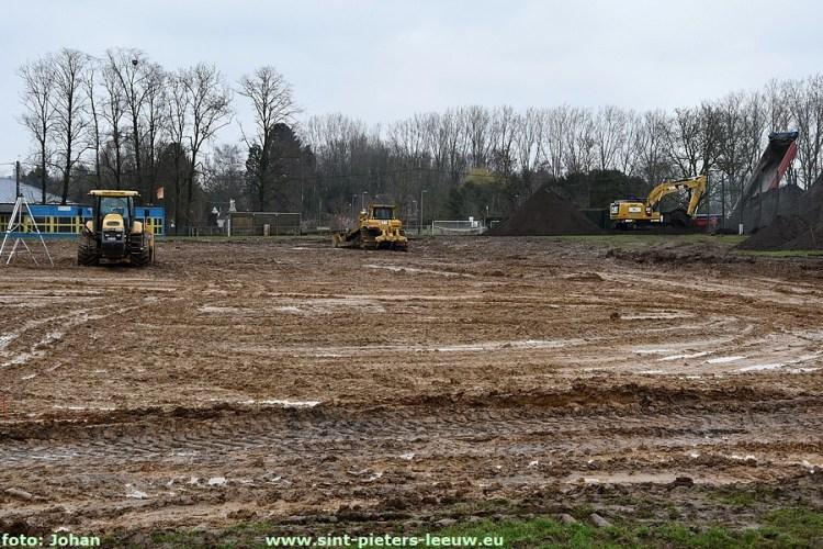 2018-03-28-heraanleg-veld-sk-vlezenbeek (1)