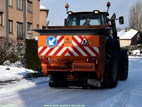 2019-01-23-sneeuw_strooiwagen-traktor_sint-pieters-leeuw