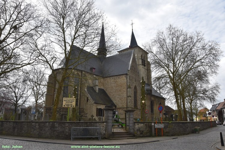 2019-03-26-rooien-bomen-aan-kerk (1)