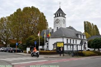 2019-10-24-oud-gemeentehuis-Vlezenbeek.JPG