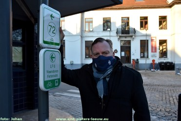 2021-02-11-nieuwe-bewegwijzering_fietsnetwerk _Groene-Gordel_01_Gedeputeerde_Gunther-coppens
