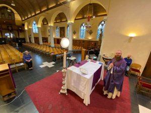 Eucharistieviering @ Facebook pastoor Matthias Noë