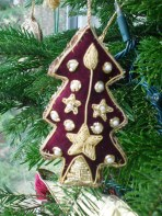 An embroidered Christmas tree made in India