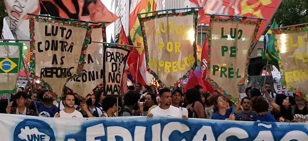 Ato: Soberania Nacional e Educação!