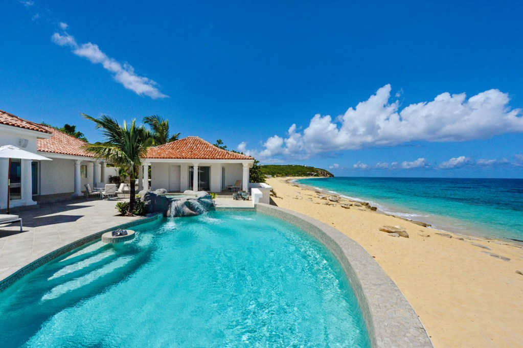Advantages of renting a private sint maarten saint martin for Cheap vacations in october