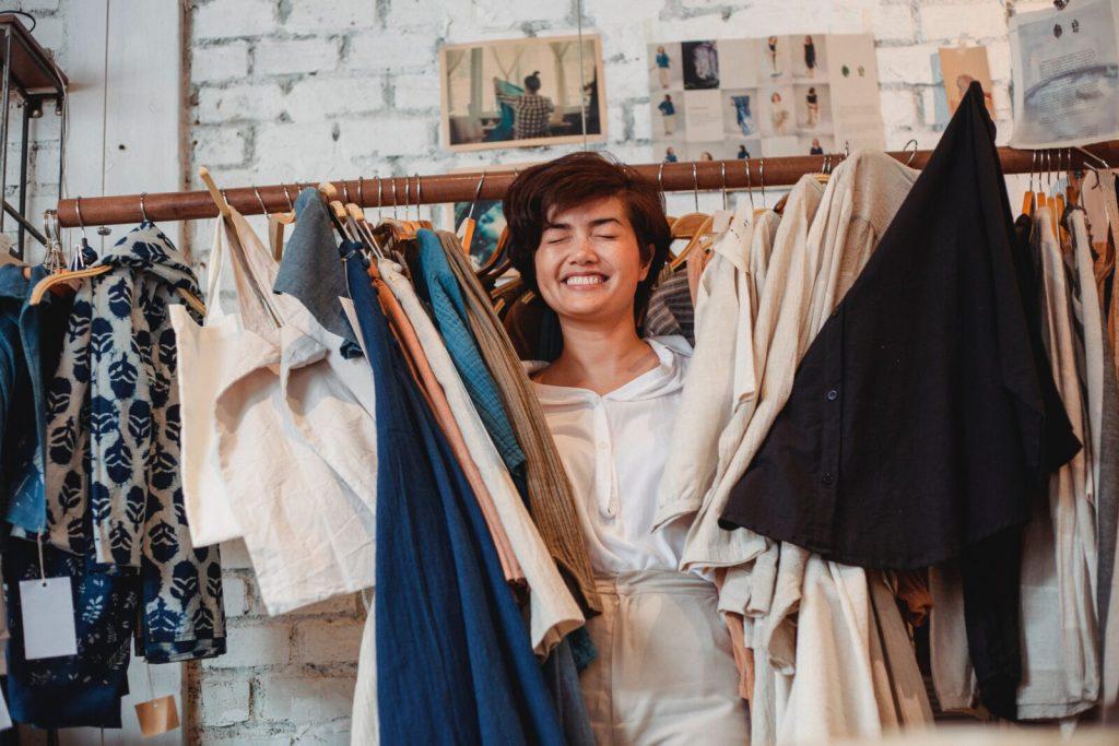 looks del día a día mujer en closet