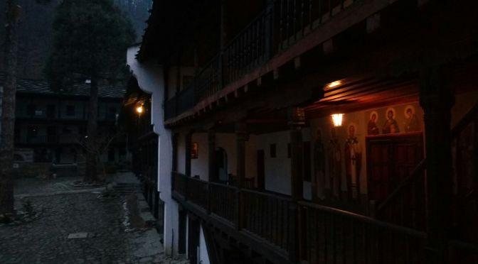 Se puede dormir en un Monasterio en Bulgaria?
