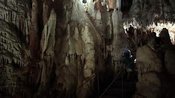 Cuevas del Águila y alrededores con niños.