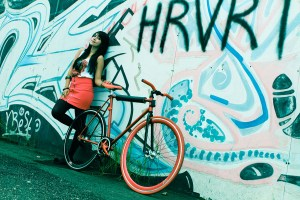 [PhotoShoot] 80's Girls with Fixed Gear (Survey)