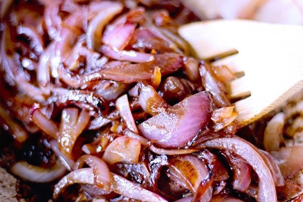 Red wine caramelized red onions