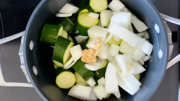 ingredients for pureed zucchini soup