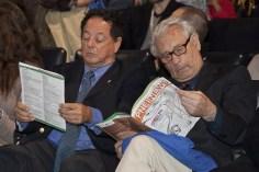 Da sinistra: Maurizio Cutolo e Hugo Besedovsky consultano il programma.