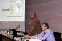 Claudio Dell'Anna (in piedi), ed Ettore Giugiaro, rispettivamente presidente e vicepresidente della Associazione italiana per la ricerca sulle terapie neurali e la neuromodulazione, Roma