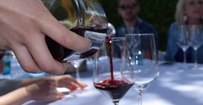 HOW TO Throw The PERFECT Wine Dinner Party