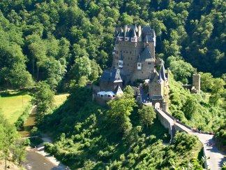 Burg_Eltz_2005