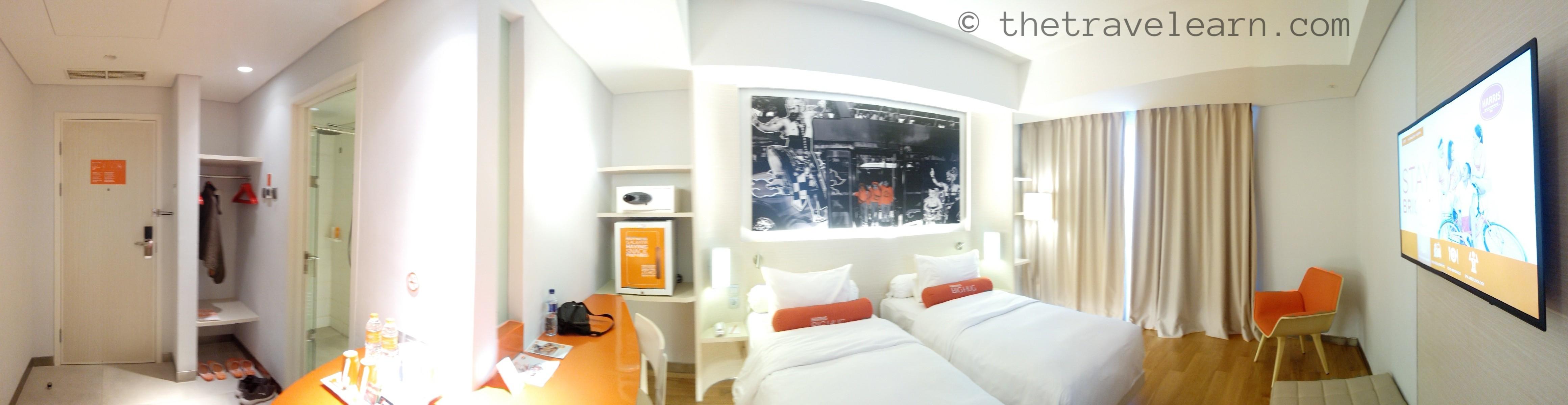 Review Harris Hotel Solo Ada Kolam Renang Infinity Pool