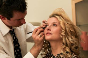 DavidSalon Tease Beach Weddingdoing makeup