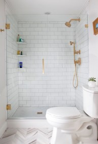 small-bathroom-gold-accents