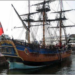 Una ricostruzione dell'HMS Endeavour