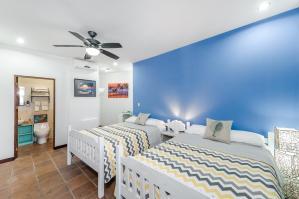 Surf Room 1