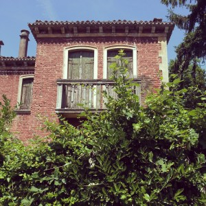 Lido - Venezia: a beautiful old building