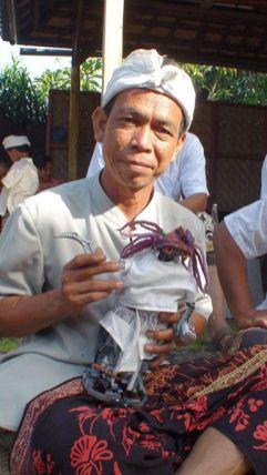 Wayan Gata con Sirimiri
