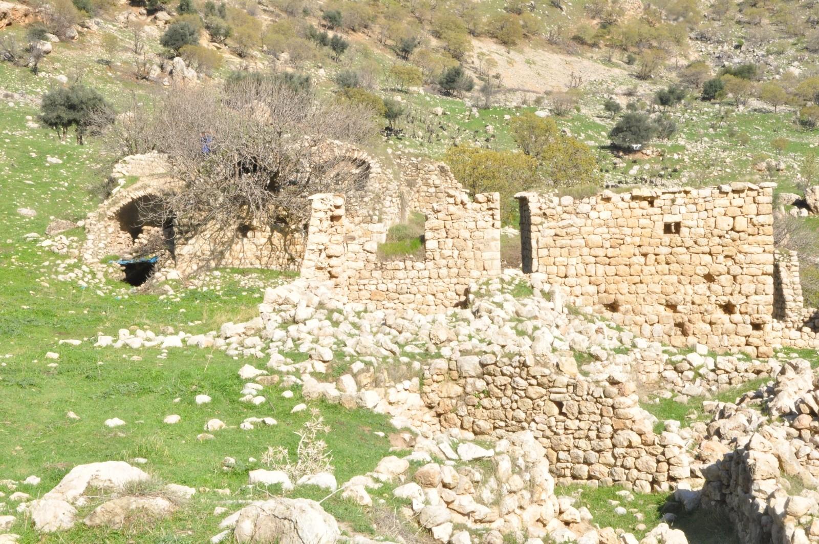 Şırnak Gabar Dağında bin 700 yıllık manastır keşfedildi