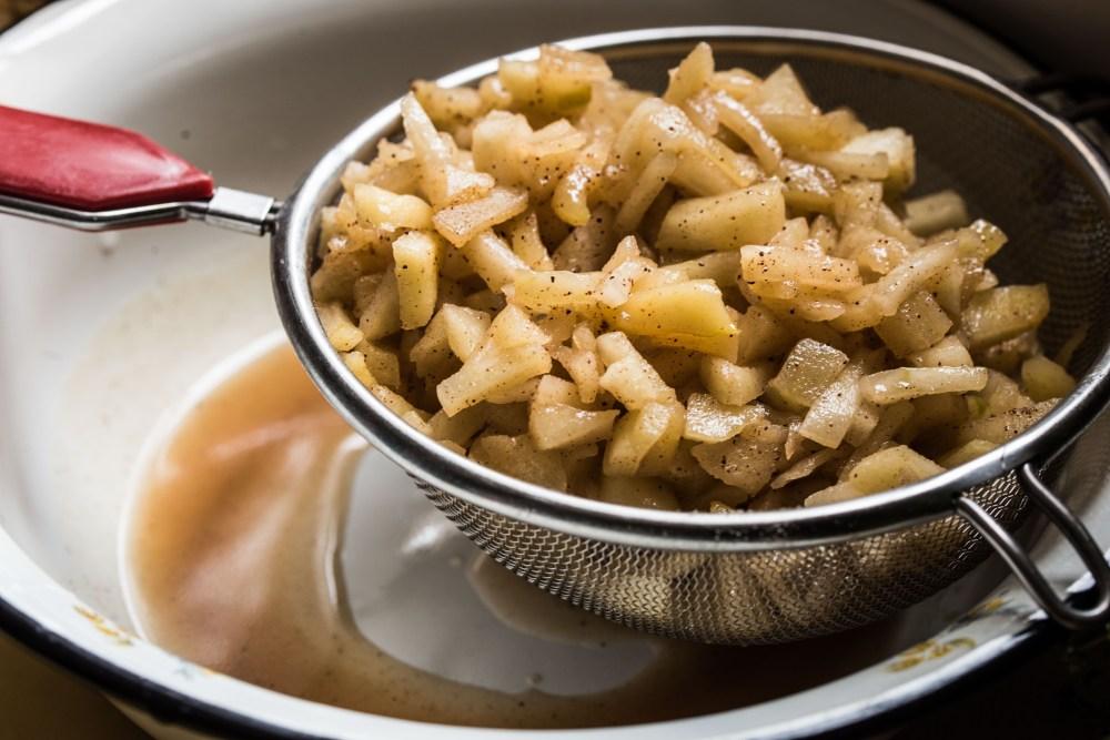 סירפלא: שטרודל תפוחים (נמרוד סונדרס) ( אורלי פלאי ברונשטיין)