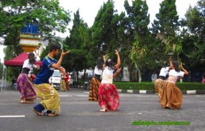 flash-mob penutup1