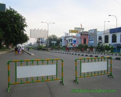 Sebagian Jl A. Yani ditutup