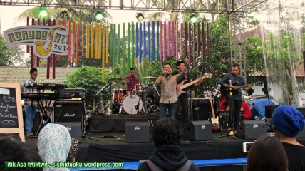 Diwa Hutomo & The Sound Brothers.