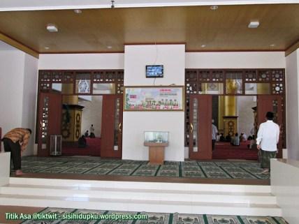 Gerbang masuk kedalam ruangan masjid.