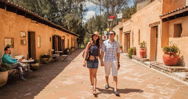 A tan sólo 20 minutos de Puebla se encuentra Val'Quirico, un encantador paraíso medieval con influencias de La Toscana italiana.