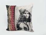 coussin carre deco maison originale berbere rose femme 2