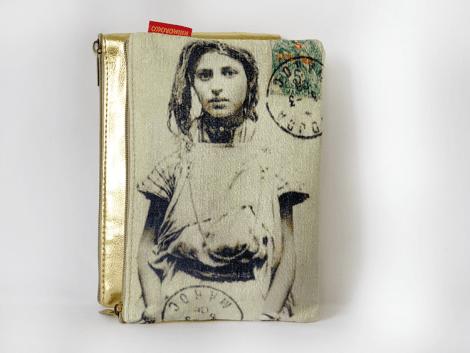 pochette femme or