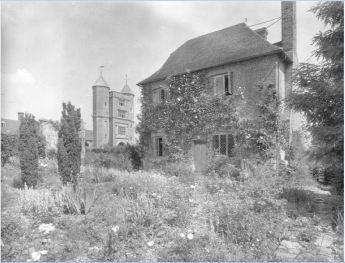South Cottage 1942. Copyright Adam Nicolson