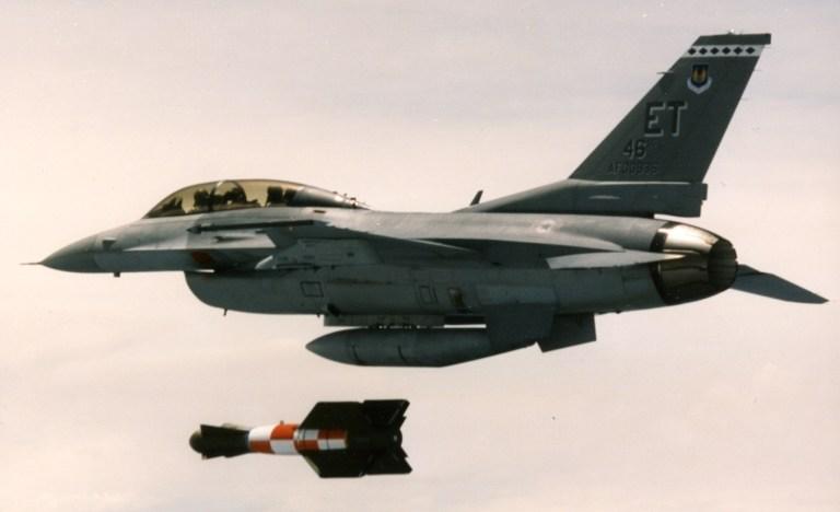 GBU-15 dropping from F-16B.