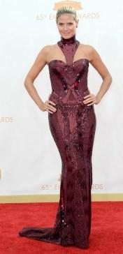 Esse Versace é a cara de Heidi Klum, que sempre surpreende nos tapetes vermelhos.